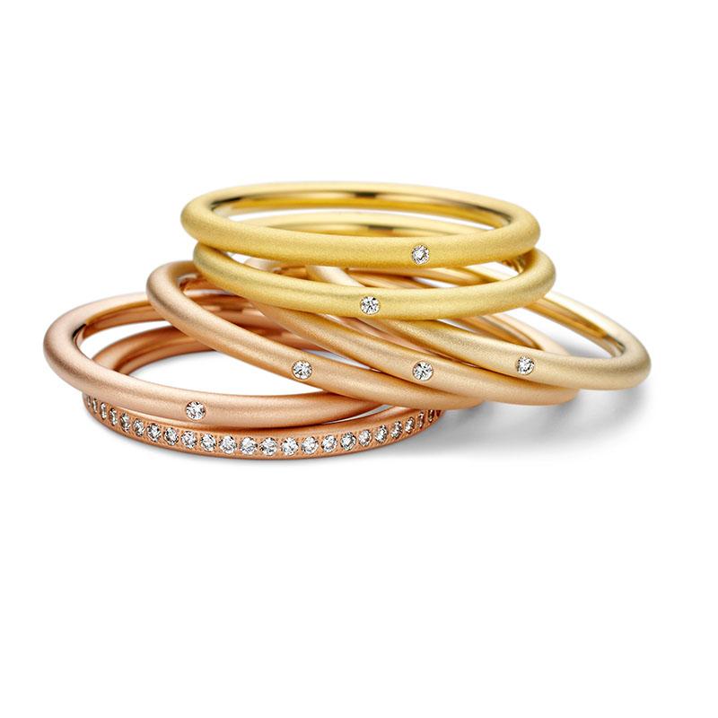 Farbringe - Unsere Eheringe mit und ohne Brillantbesatz in verschiedenen Goldtönen